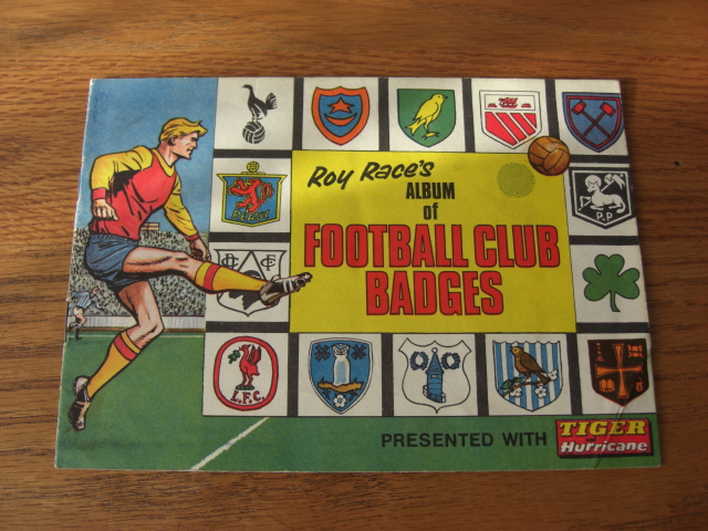 Roy Race Album Of Football Club Badges (01)